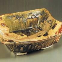 坪島土平 「金彩織部松絵透し四方鉢」